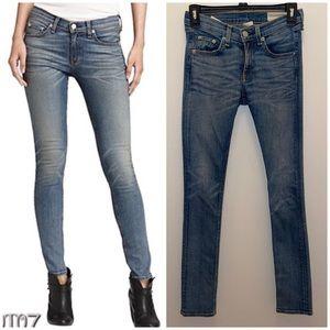 Rag & bone Skinny Jeans Monument jeans size 25 in medium wash w1502k520